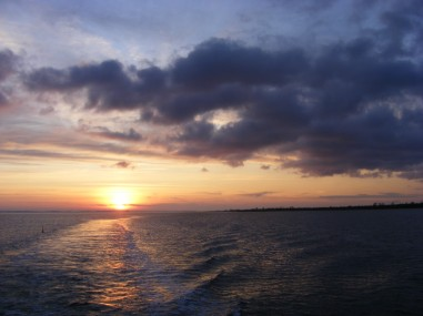Sonnenuntergang achtern