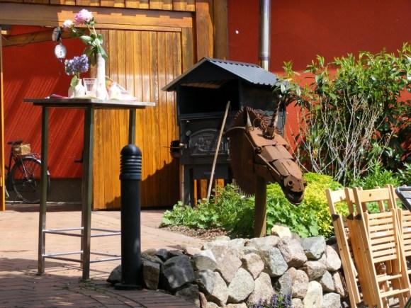 Garten der Keramikwerkstatt Himmelblau