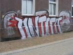 Graffiti - Narrenhände beschmieren Tisch und Wände (8)