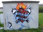Graffiti - Narrenhände beschmieren Tisch und Wände (9)