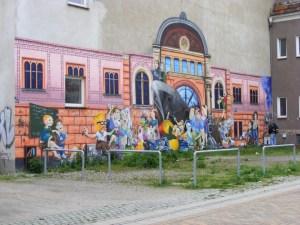 Klasse Graffities und Wandmalerei in Rostock (2)