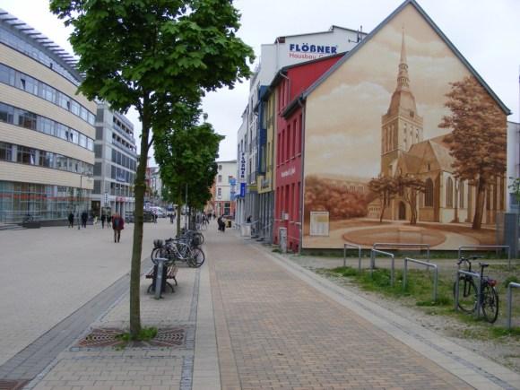 Klasse Graffities und Wandmalerei in Rostock (3)