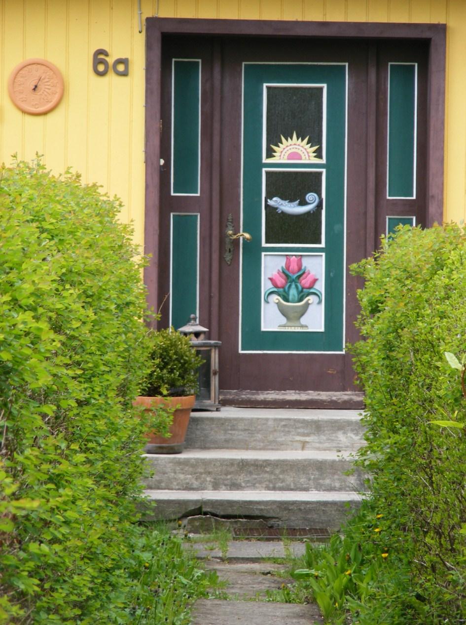 schmucke Häuser im Frühling - Fischland Darß (4)