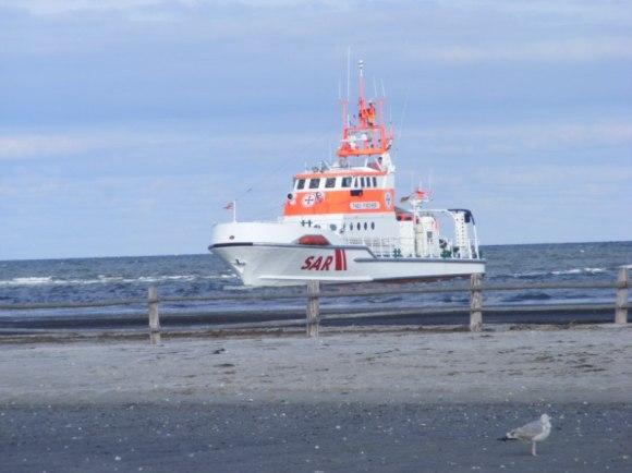 Seenot Rettungskreuzer vor Darßer Ort (c) Frank Koebsch (1)
