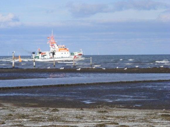 Seenot Rettungskreuzer vor Darßer Ort (c) Frank Koebsch (3)