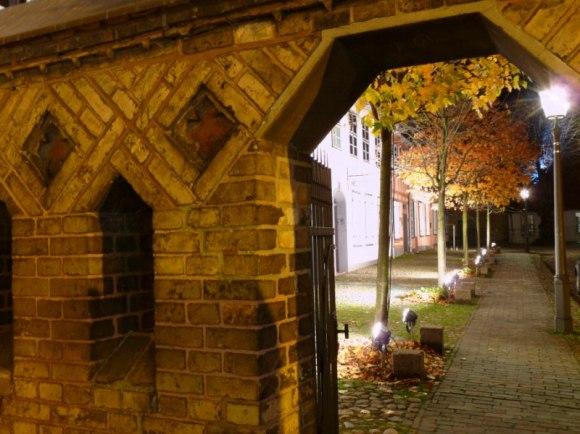 Lichtwoche Rostock 2010 in der Nähe des Klosterhofes (c) Frank Koebsch (4)