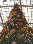 Weihnachtsbaum im Leipziger Hauptbahnhof (1)