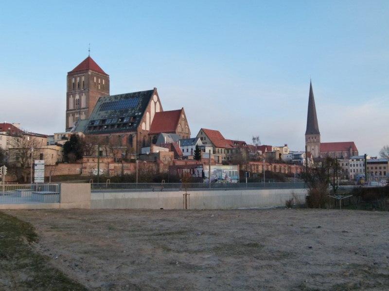 Östliche Altstadt mit der Nikolai- u. Petrikirche (c) Frank Koebsch