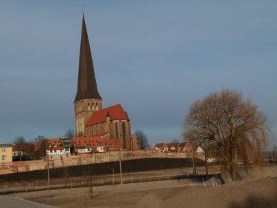 Petrikirche von der Warnostr aus (c) Frank Koebsch