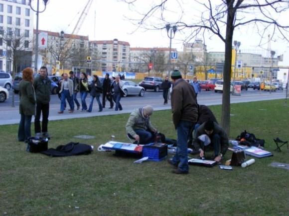 Malen am Potsdamer Platz (c) Frank Koebsch