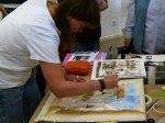 Kristina Jurick bei der Arbeit an ein Aquarell (c) FRank Koebsch