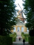 Neue Kammern mit historischer Mühle im Park von Sanssouci (c) Frank Koebsch (1)