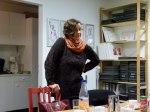 Petra Rau im Atelier von Susanne Haun (c) Frank Koebsch