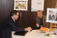Frank Koebsch und Dr. Hartmut Domröse auf der Gründermesse (c) Falk Mahlendorf