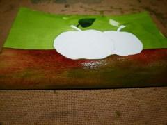Schritt 3 Weinroter Farbauftag mit einer Mischung der Pigmente auf dem Hahnemühle  Pappier Britannia (c) Frank Koebsch