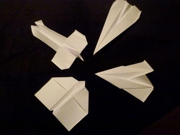 Papierflugzeuge (c) Frank koebsch