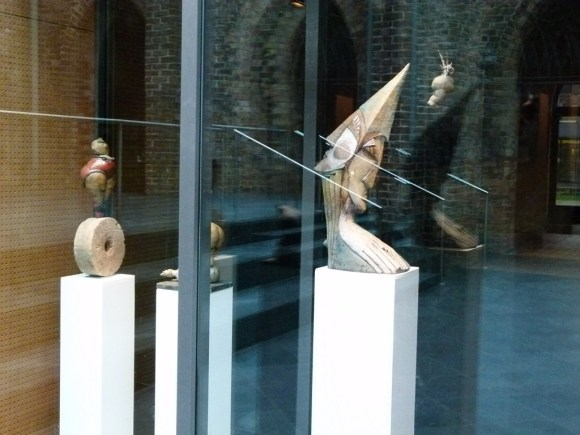 Keramik von Bernadette Maria Roolf in der OZ Kunstbörse 2012 (c) FRank Koebsch (1)