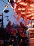 Kettenkarussell auf dem Rostocker Weihnachtsmarkt (c) Frank koebsch