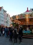 Kinderkarussell auf dem Rostocker Weihnachtsmarkt (c) Frank Koebsch