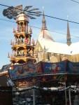 Pyramide auf dem Rostocker Weihnachtsmarkt (c) Frank Koebsch