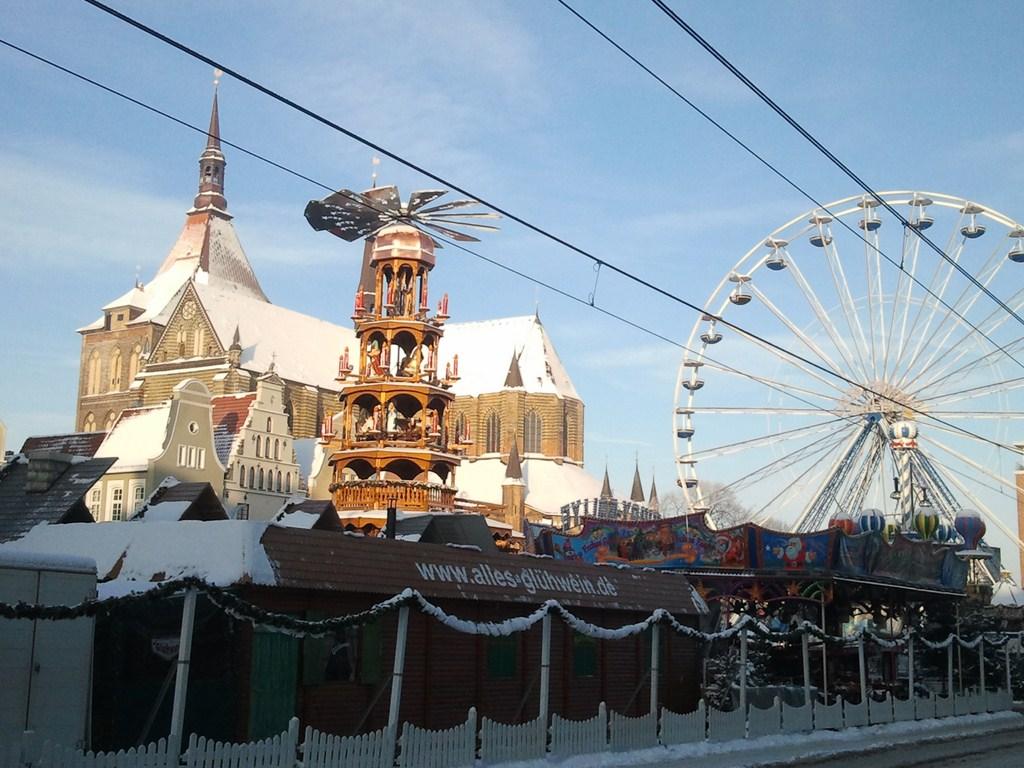 Rostocker Weihnachtsmarkt (c) Frank Koebsch 1