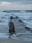 Wellen und Wellenbrecher (c) Frank Koebsch
