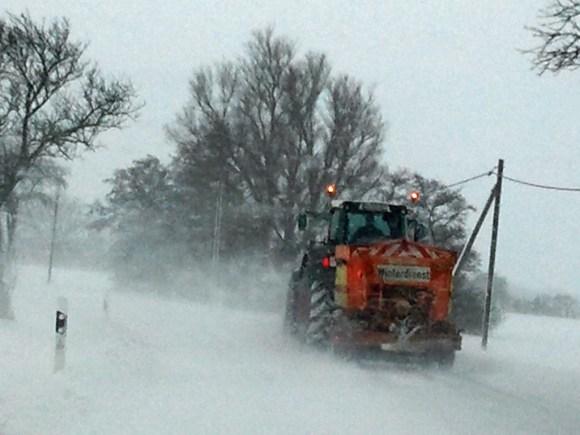 Winterdienst, die Rettung im Schneetreiben(c) Frank Koebsch 1