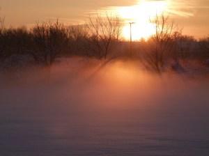 Winterlicher Sonnenuntergang mit Nebel (c) Frank Koebsch 2