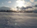Der Wind treibt den Schnee über das Feld (c) Frank Koebsch