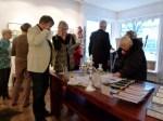 erste Besucher der Ausstellung Faszination Kraniche (c) Maike Josupeit (3)