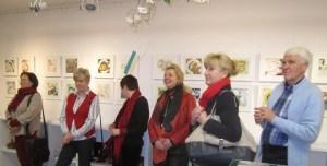 Interessierte Besucher bei unseren Sternzeichen (c) Susanne Haun (1)