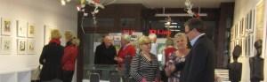Interessierte Besucher bei unseren Sternzeichen (c) Susanne Haun (5)