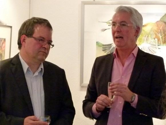 Karsten Peters und Frank Koebsch eröffnen die Kranich Ausstellung (c) Maike Josupeit