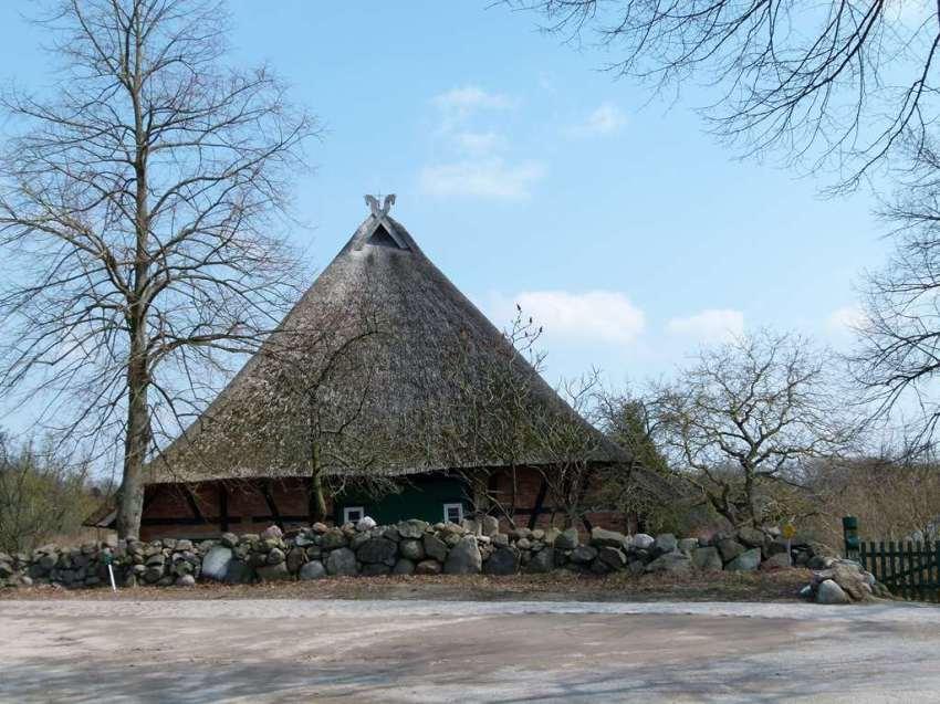 reetgedeckte Fachwerkhäuser in Mueß (c) Frank Koebsch (2)