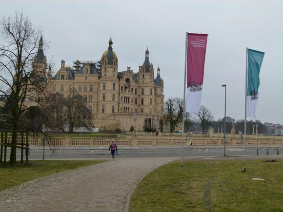 Schwerin Schloß vom Alten Garten aus (c) Frank Koebsch