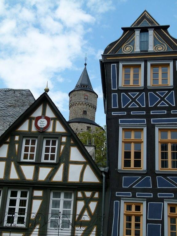 Hexentum und Schiefes Haus in Idstein (c) Frank Koebsch