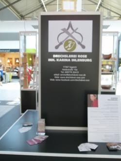 Karina Ihlenburg – Drechslerin auf dem Kunstsommer 2013 im Ostsee Park Rostock (c) FRank Koebsch