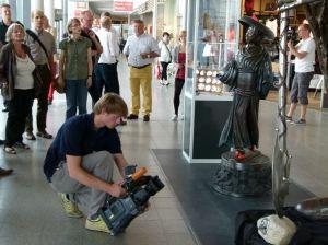 tv-Rostock erkundet die Ausstellung des Kunst Sommers 2013 (c) Frank Koebsch