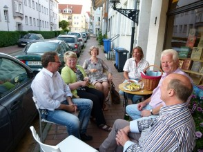 Ausklang des Abends in der östlichen Altstadt bei Käse und Rotwein (c) Frank Koebsch (1)