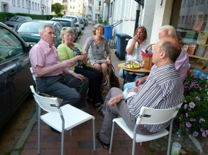 Ausklang des Abends in der östlichen Altstadt bei Käse und Rotwein (c) Frank Koebsch (2)