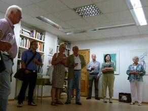 Gäste bei der Eröffnung der Sternzeichen Ausstellung (c) Frank Koebsch