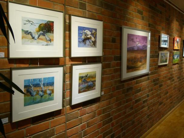 Meine Kranich Aquarelle im Haus der SWR vor der Eröffnung (c) Frank Koebsch (3)