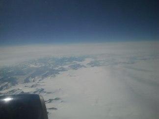 Auf dem Weg nach Seattle - Schneebedeckte Berge im Norden Alaskas (c) Frank Koebsch (2)