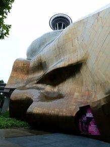 Seattle - Gebäude des EMP entworfen von Frank Gehry (c) Frank Koebsch (5)