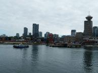 Vancouver - Blick vom Canada Place auf Gastown (c) Frank Koebsch