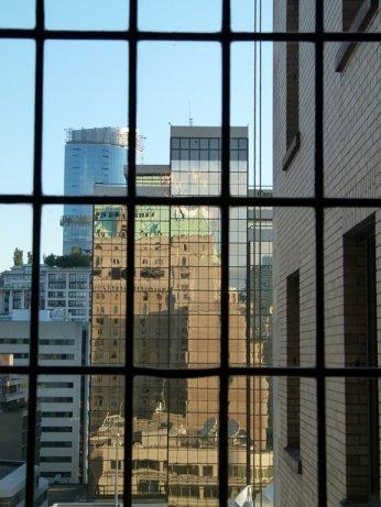 Vancouver - Fenster des Fairmont Hotels (c) Frank Koebsch (2)