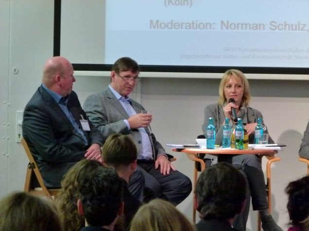 Podiumsdiskussion mit Harm Wurthmann, Michael Sondermann und Sylvia Hustsedt auf der Impulskonferenz (c) Frank Koebsch