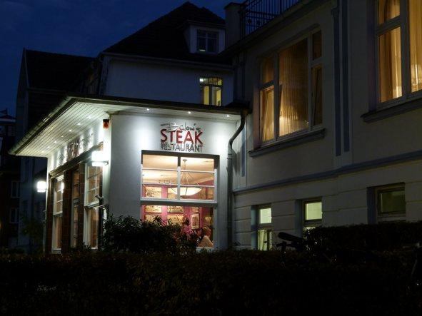 Abschluss des Tages mit einem leckeren Abendessen im Hotel Polar-Stern (c) Frank Koebsch (3)
