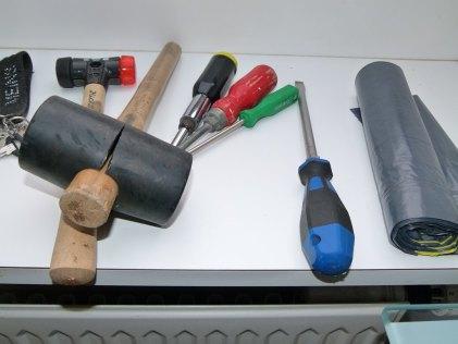 Werkzeug im Atelier meines Ateliers (c) Frank Koebsch