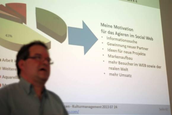 Frank Koebsch berichtet über seine Motivation im Social WEB (c) Boris A. Knop